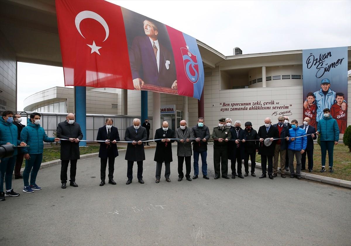 """Trabzon'da """"Özkan Sümer Futbol Akademisi"""" açıldı"""