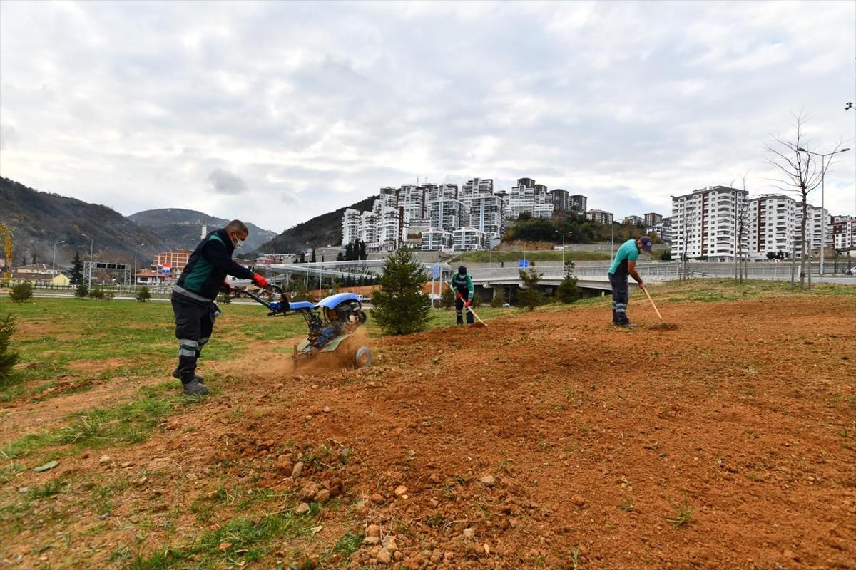 Trabzon Büyükşehir Belediyesi ekipleri sokağa çıkma kısıtlamasında çalışmalarını sürdürdü