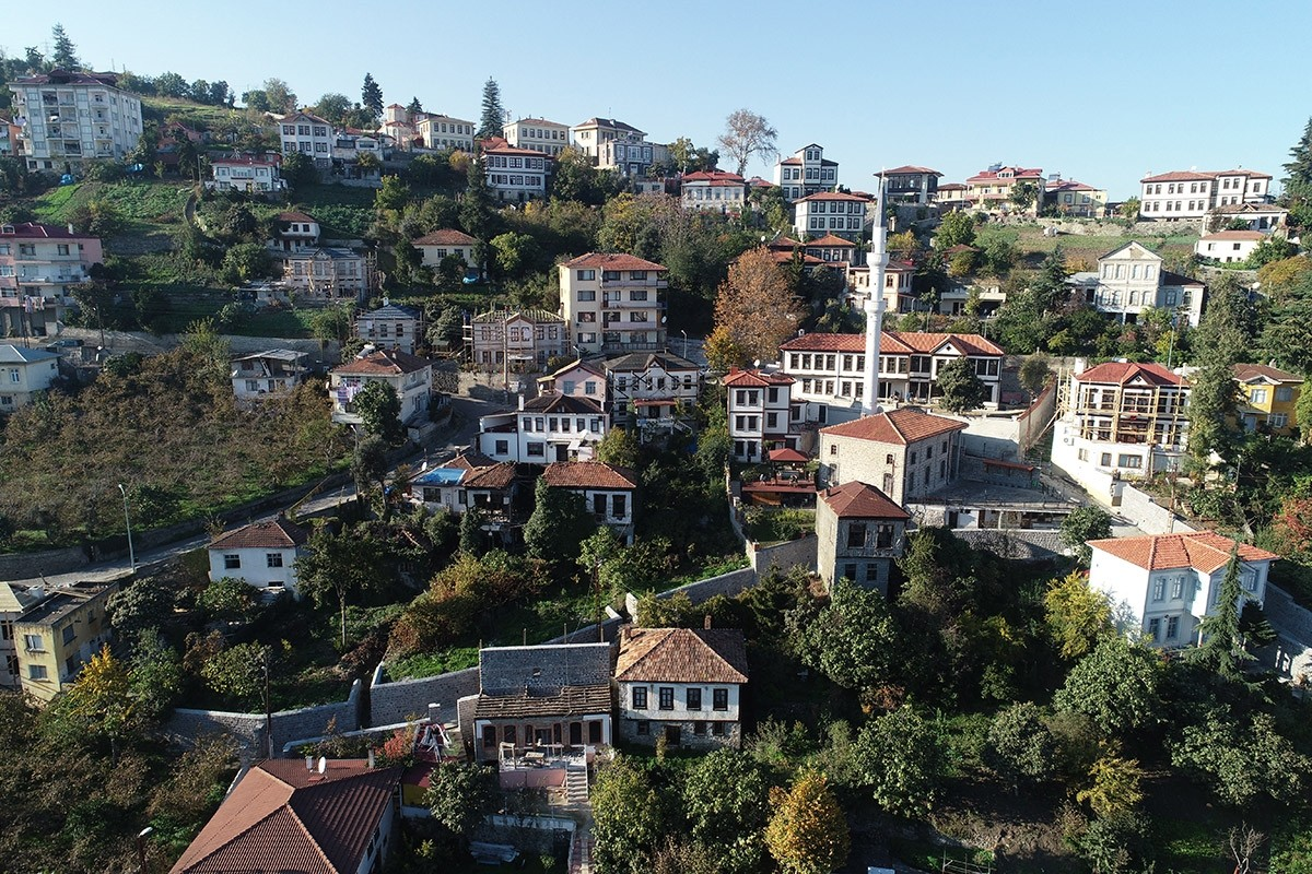 Trabzon'daki tarihi mahallede 13'ü tescilli olmak üzere 24 yapı restore edilecek