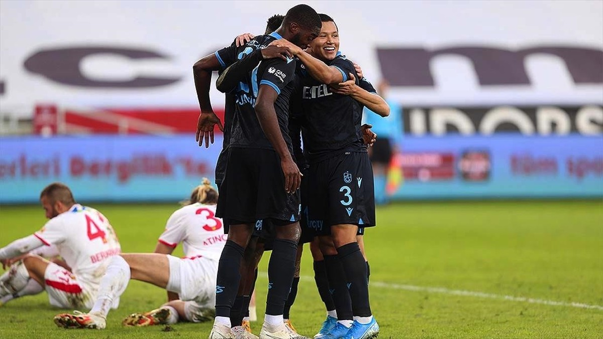 Trabzonspor, Göztepe ile karşılaşmasından 1-0 galip ayrıldı