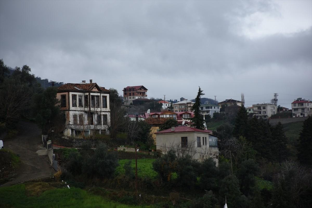 Trabzon'da tarihi Ortamahalle teleferikle de gezilecek