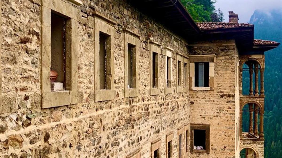 Sümela Manastırı'nı açık olduğu 99 günde 123 bin 933 kişi ziyaret etti
