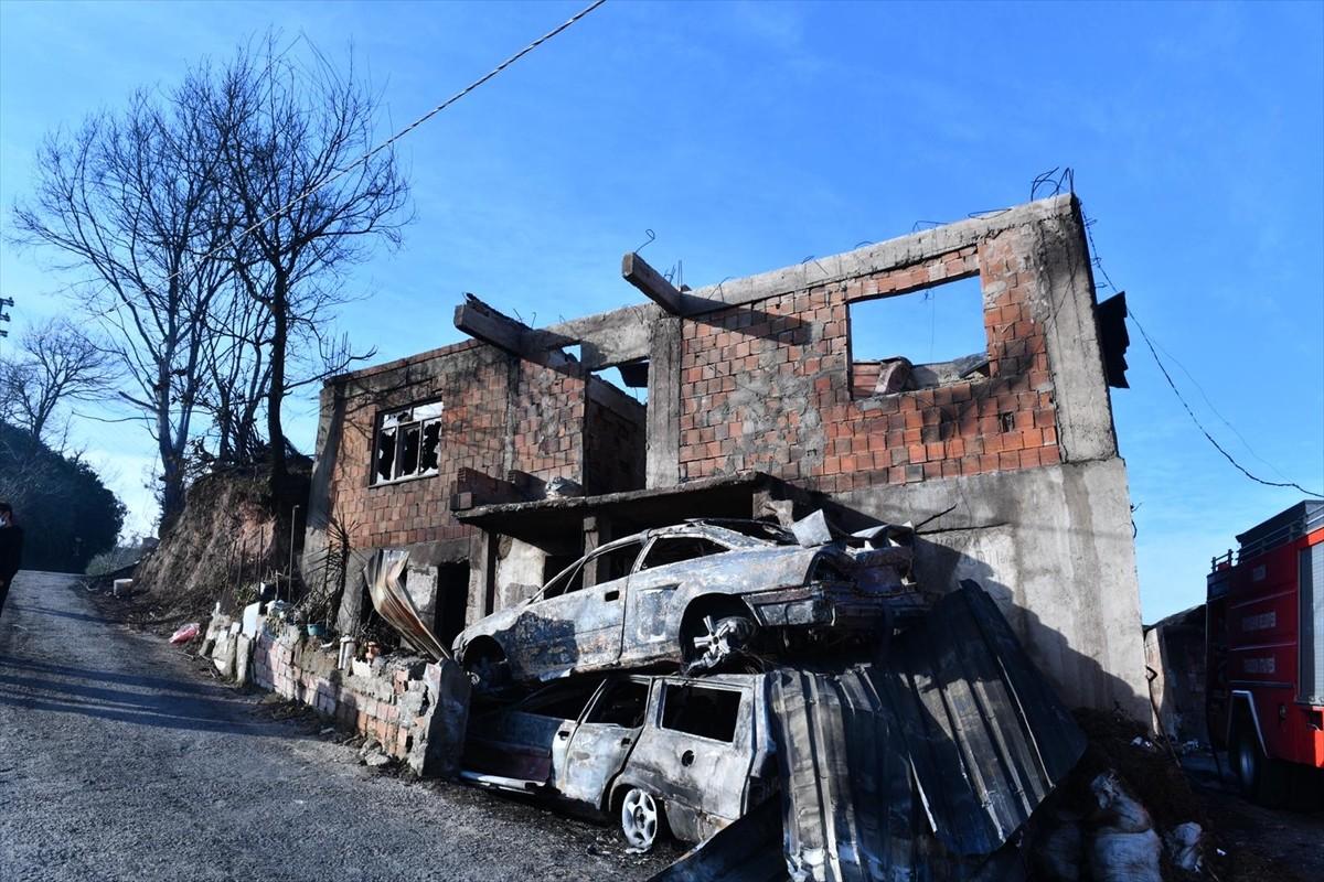 Trabzon Büyükşehir Belediye Başkanı Zorluoğlu, evleri yanan vatandaşları ziyaret etti