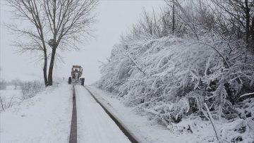 Trabzon'da 21 mahalle yolu ulaşıma kapandı