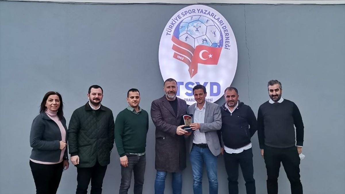 Trabzonspor Asbaşkanı Mehmet Yiğit Alp, TSYD Trabzon Şubesi'ni ziyaret etti: