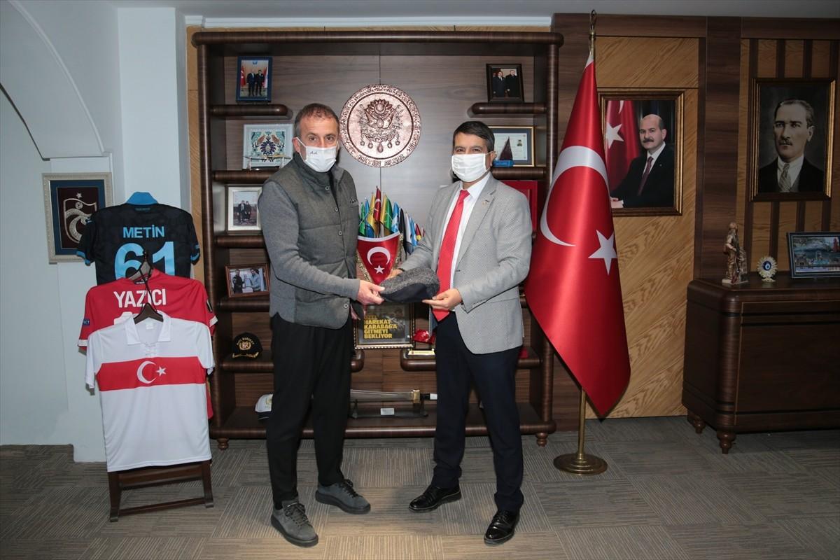 Trabzonspor Teknik Direktörü Avcı'dan Trabzon İl Emniyet Müdürlüğüne ziyaret