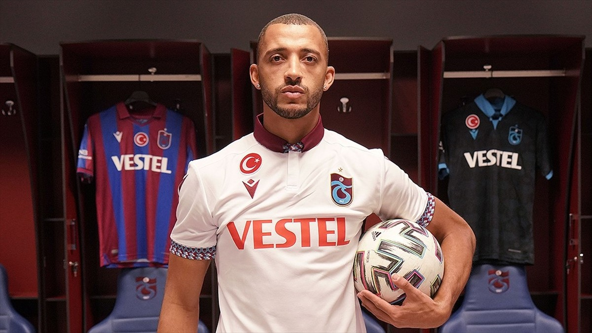 Trabzonspor'un Brezilyalı savunma oyuncusu Vitor Hugo: Futbola Trabzon'da devam etmek istiyorum