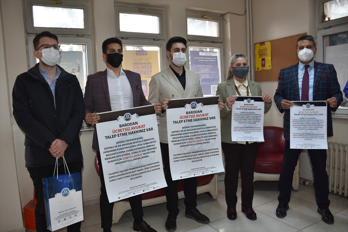Trabzon'da vatandaşlar ücretsiz avukat talebi hakkında broşürlerle bilgilendirildi