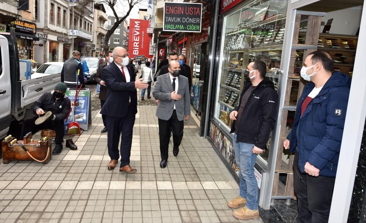 Kovid-19 denetimi yapan Trabzon Valisi Ustaoğlu, vatandaşlara tedbirlere uymaları çağrısı yaptı