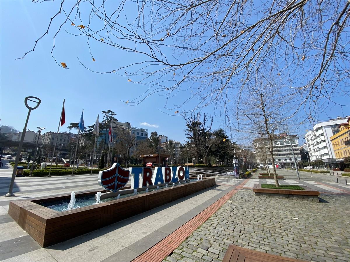 """Karadeniz'in """"çok yüksek risk"""" kategorisindeki Trabzon'da sessiz bir gün yaşanıyor"""