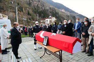 Aydın'da ölü bulunan Kaymakam Yılmaz Kurt'un cenazesi, Trabzon'da toprağa verildi