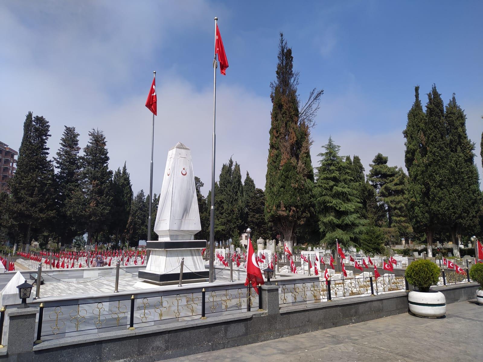 Trabzon Büyükşehir Belediyesinden kesilen selvi ağaçlarıyla ilgili açıklama: