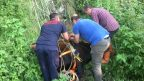 Trabzon'da ormanlık alanda mahsur kalan 3 inek itfaiye ekiplerince kurtarıldı