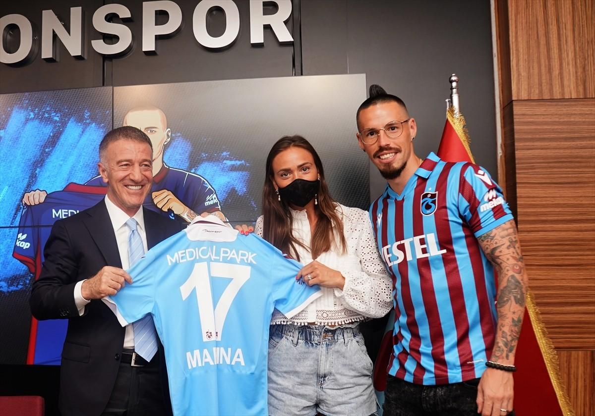 Trabzonspor, Hamsik ile sözleşme imzaladı