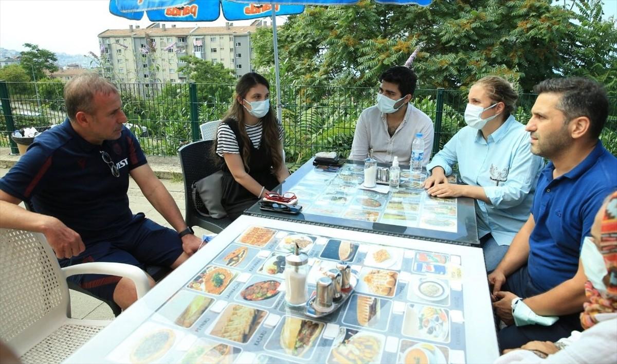Trabzonspor Teknik Direktörü Avcı'dan, tedavisi süren Kocaelispor Teknik Direktörü Akçay'ın ailesine ziyaret