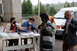 Trabzon'da yaylalardaki vatandaşlara mobil ekiplerce Kovid-19 aşısı yapılıyor