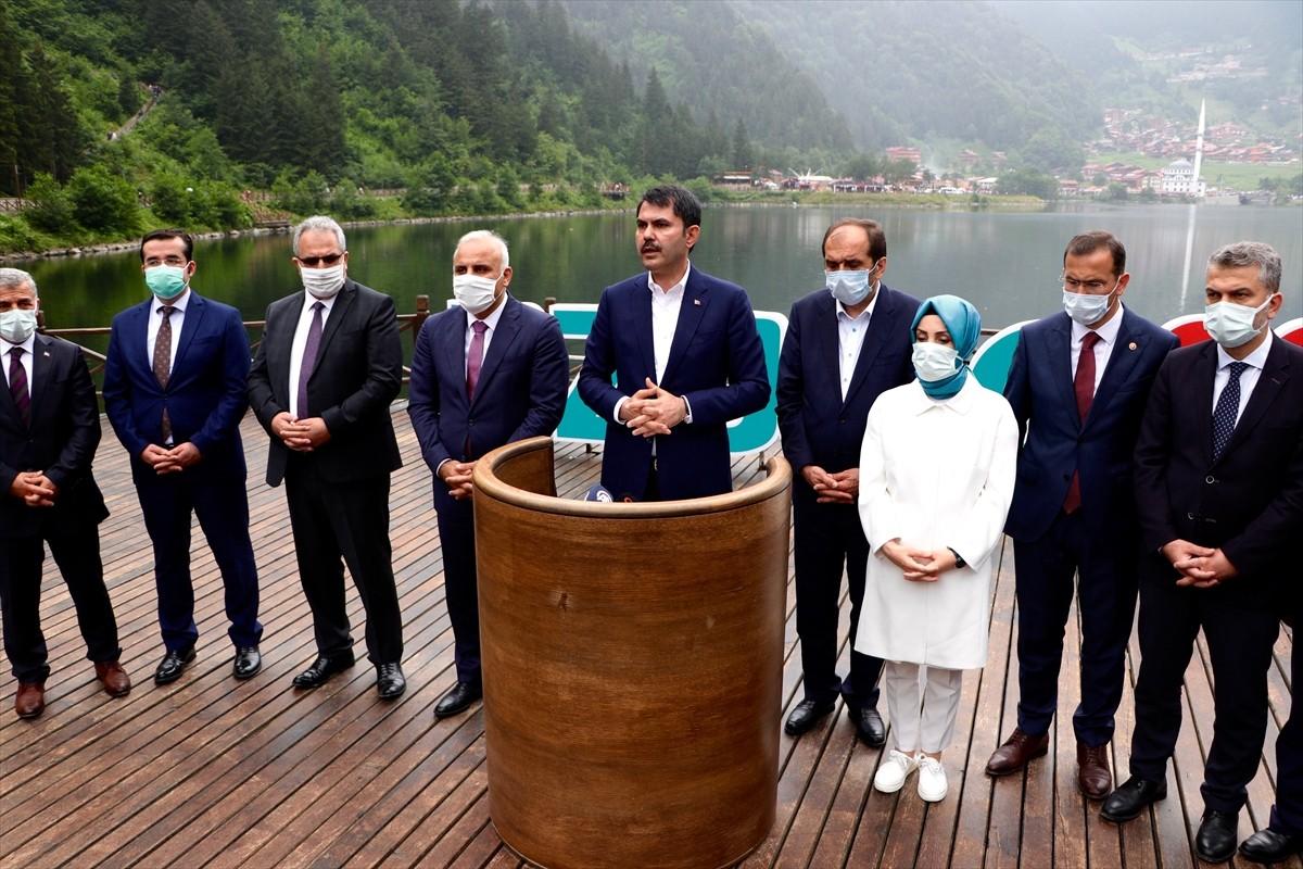 Uzungöl'ü ziyaret eden Çevre ve Şehircilik Bakanı Kurum, burada yapılan çalışmaları anlattı: