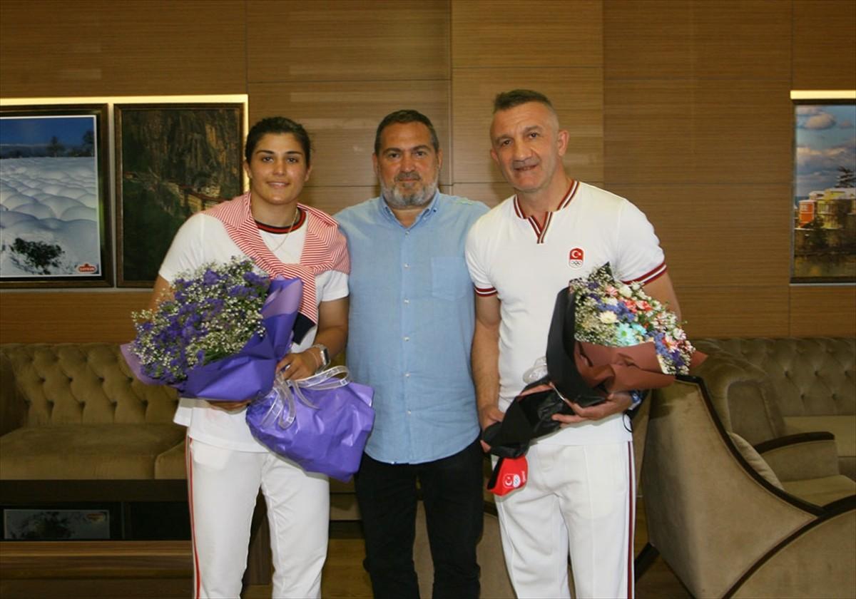 Trabzonspor boks takımı sporcusu Busenaz Sürmeneli, olimpiyat yolcusu
