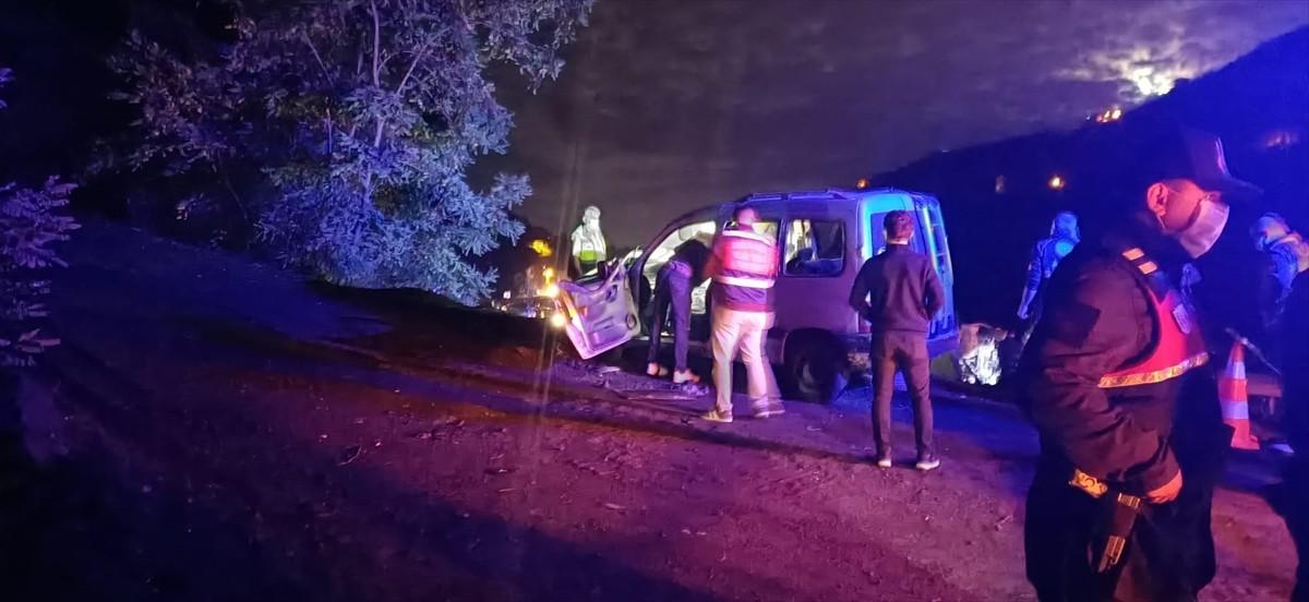 Trabzon'da meydana gelen trafik kazasında 1 kişi hayatını kaybetti, 3 kişi yaralandı