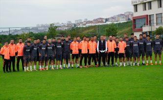 Trabzonspor Teknik Direktörü Avcı, 19 yaş altı takımını ziyaret etti